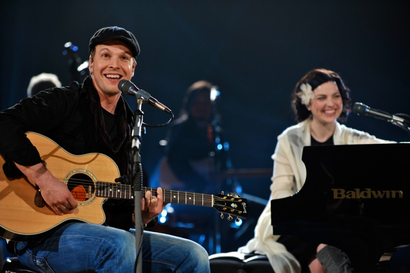File:Gavin Degraw and Amy at Legends & Lyrics 2009.jpg